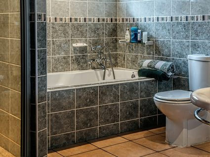 Image of bathroom with beautifully grouted tilework.